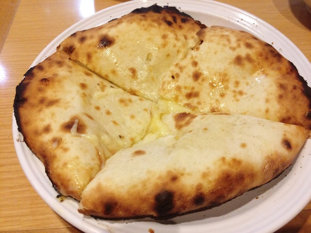 印度のチーズナン2
