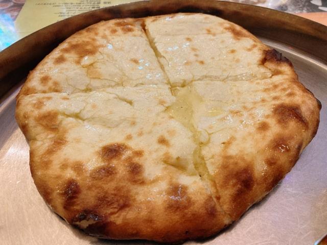 シタルのチーズナン